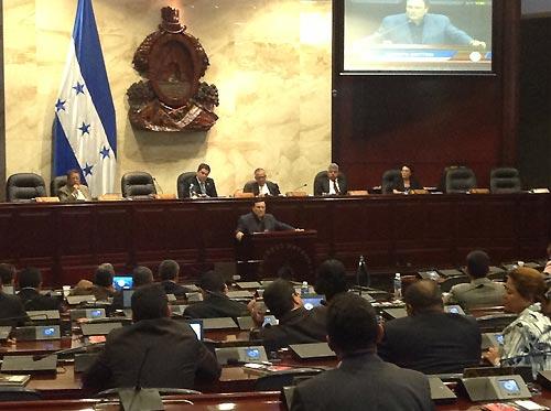 Mottesi-Congreso-de-la-Nacion-de-Honduras_foto-2