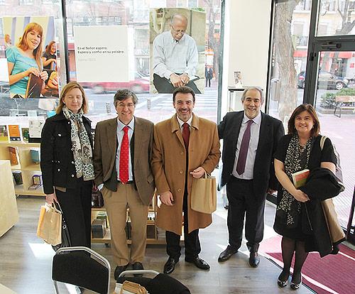 José Luis Andavert junto con los representantes del Ministerio de Justicia y de la FEREDE en las nuevas instalaciones.